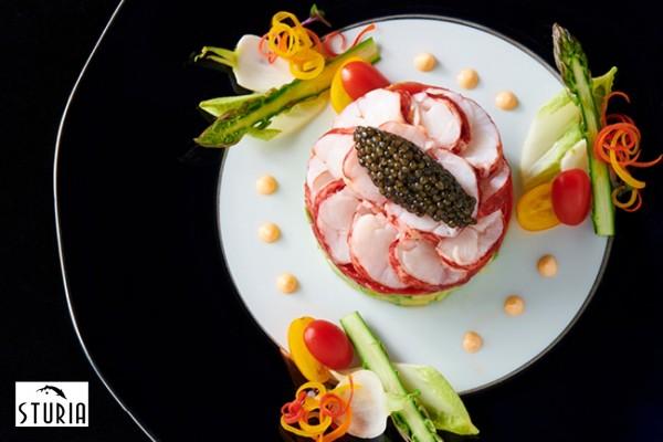 Millefeuille of blue lobster and Sturia Oscietre caviar.