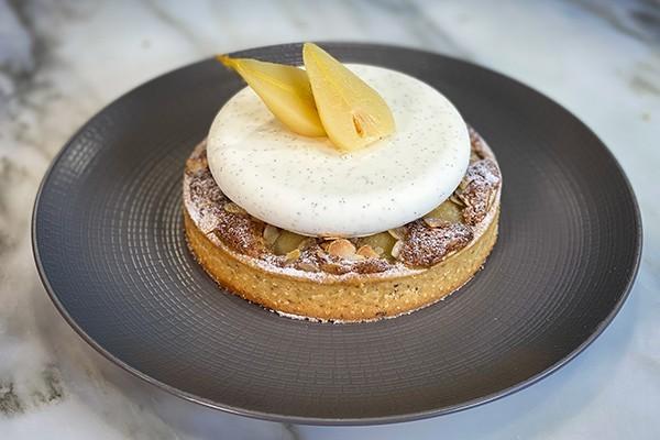 Pear and vanilla mascarpone cream tart