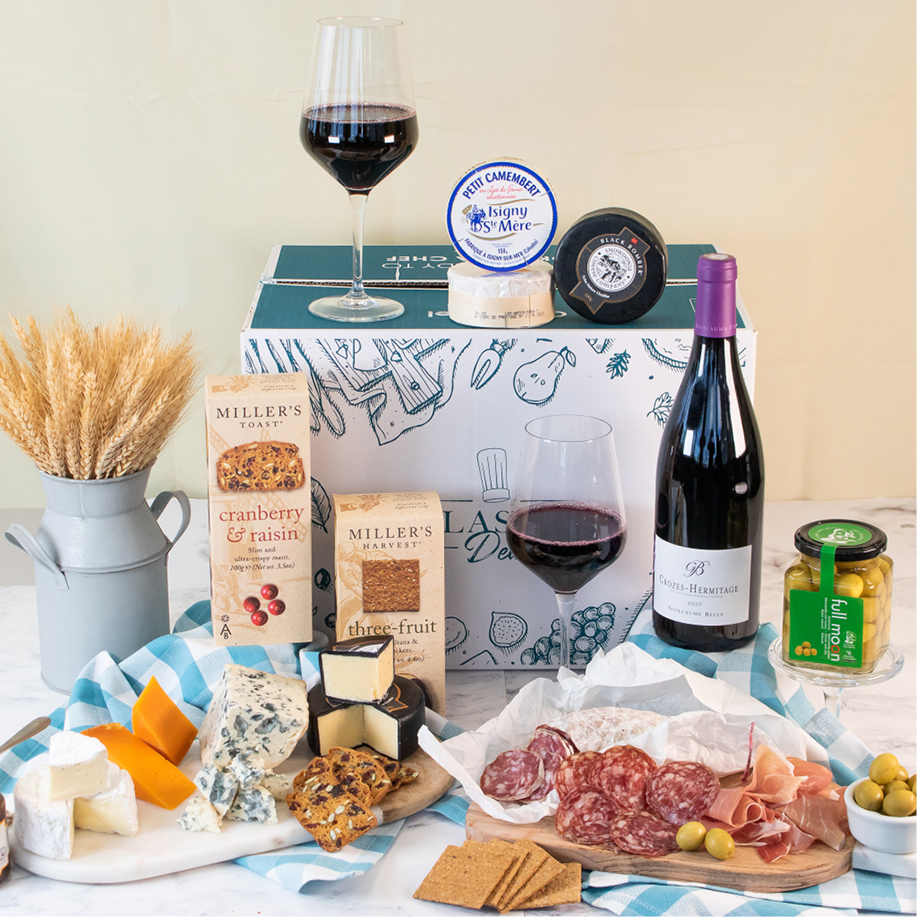 gourmet-cheese-and-charcuterie-box-with-wine